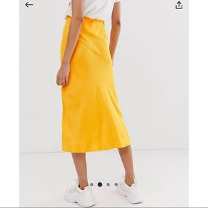 NWT ASOS Yellow Midi Skirt 💛✨💛✨